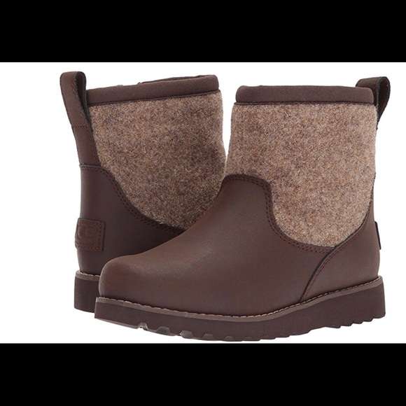 429e77717 Ugg Kids Bayson II Boots Toddler. M_5a9cf459fcdc312c355971db